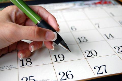 pen and calendar2